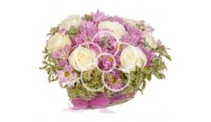 aranjament-floral-cu-trandafiri